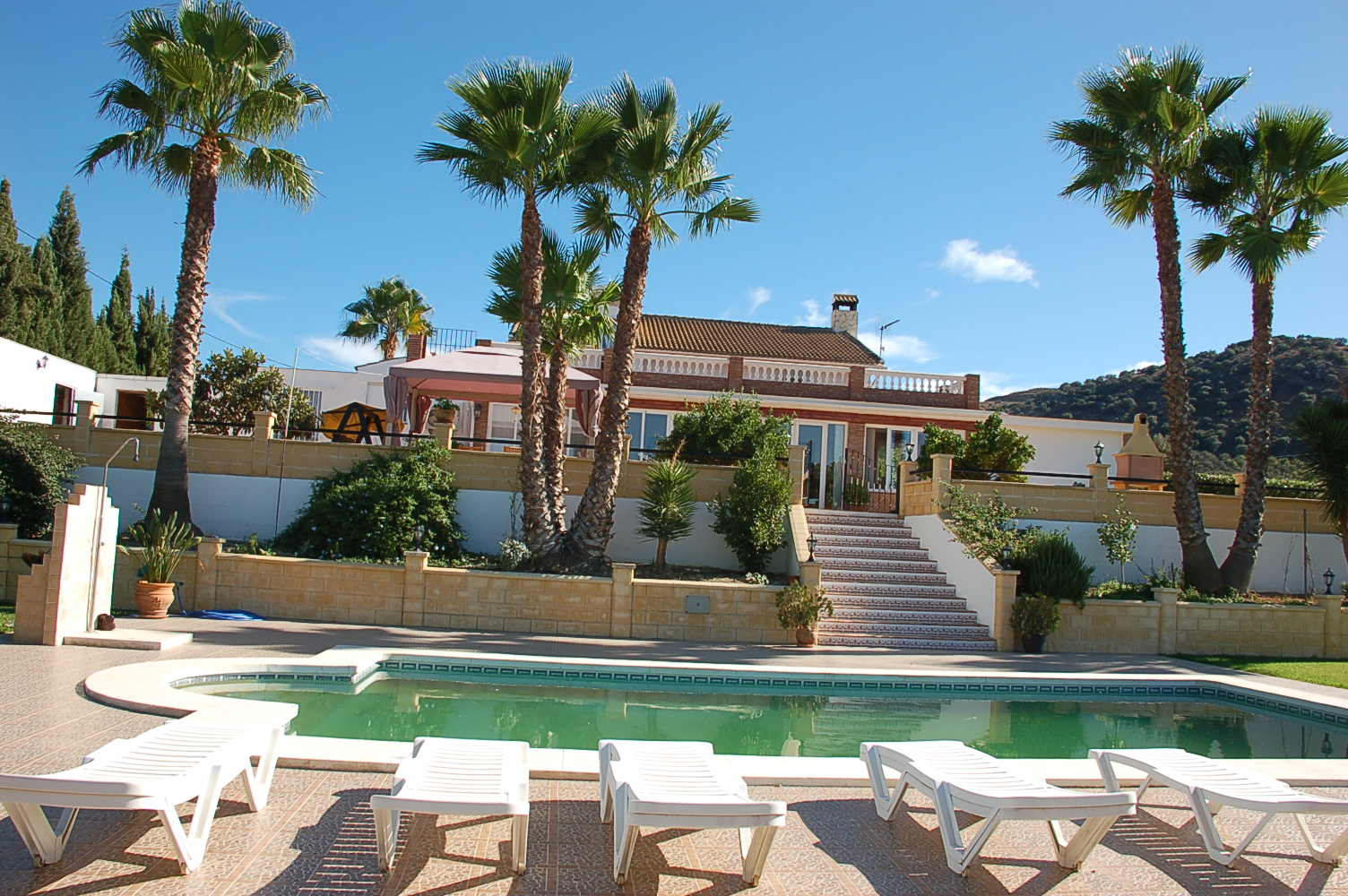 RiS 85 Lovely villa with mature gardens and land – 470,000€