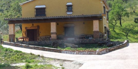Ri 589 Country house with four bedrooms and land near Coin – 1,000€