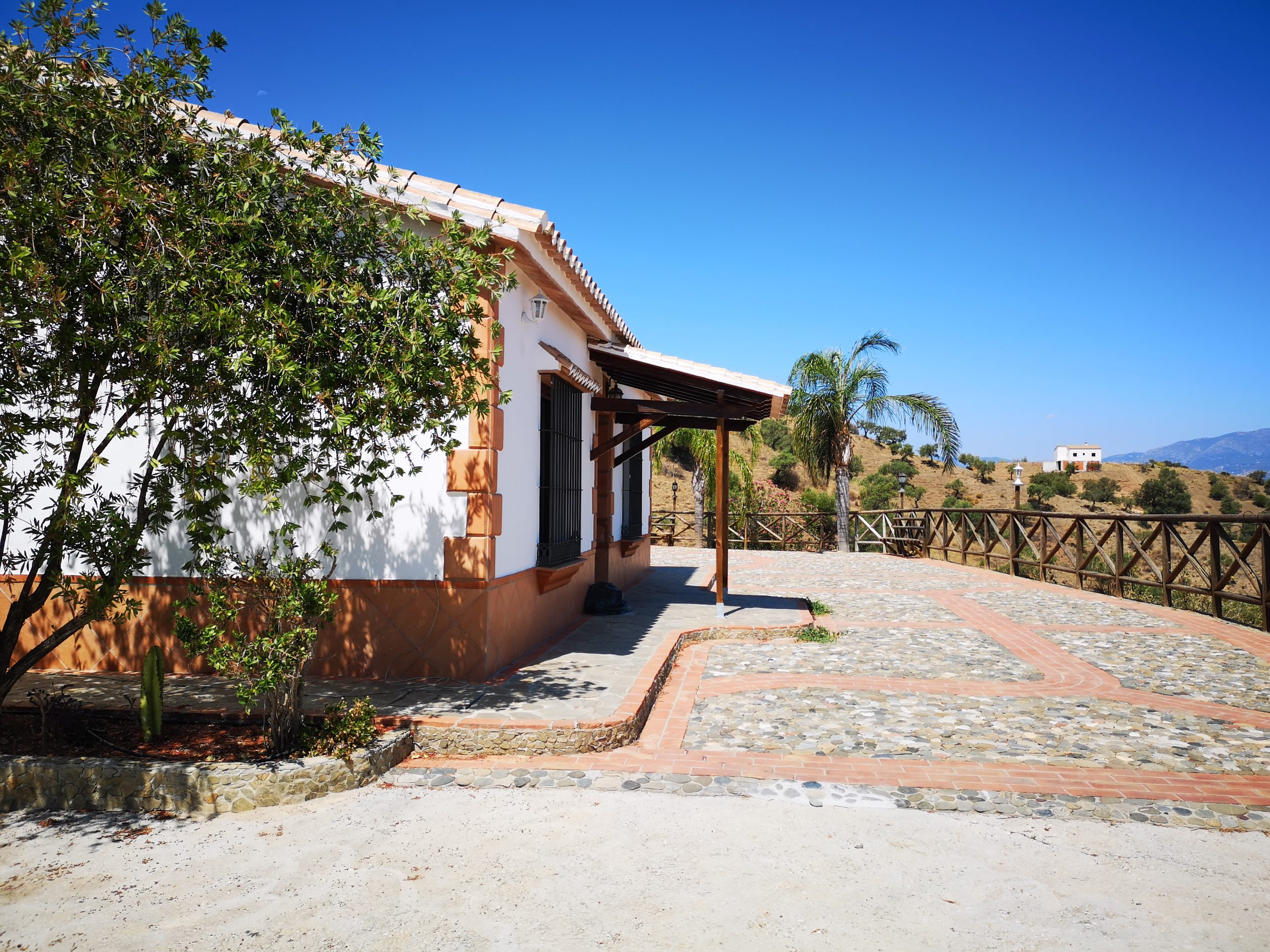 Ri 227 Spectacular views from this three bedroom finca with pool in rural Coin – 1,100€
