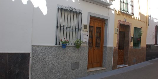 Ri 98 Three bedroom town house in the heart of Coin centre – 500€