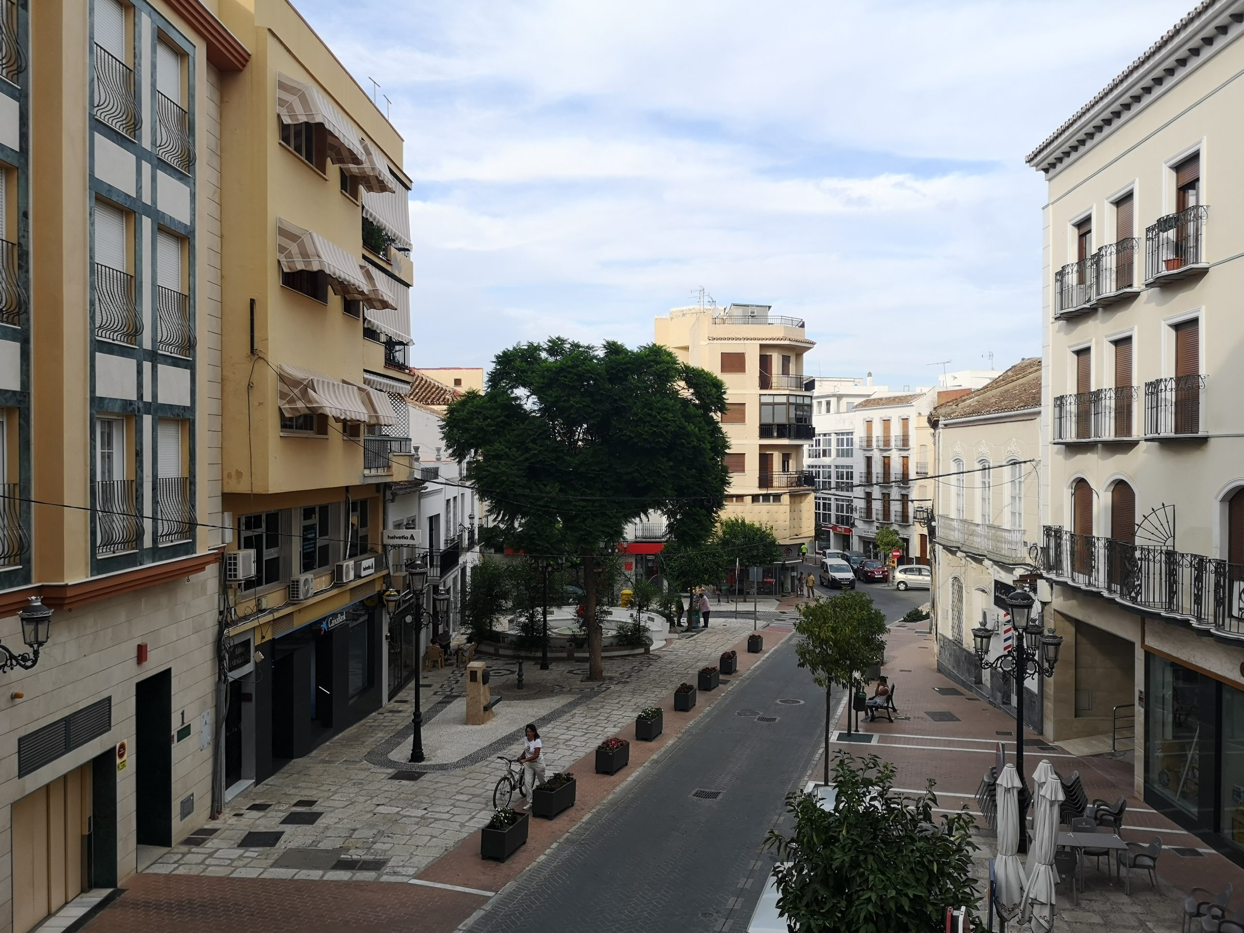 Ri 692 spacious three bedroom apartment in the centre of Coin – 550€